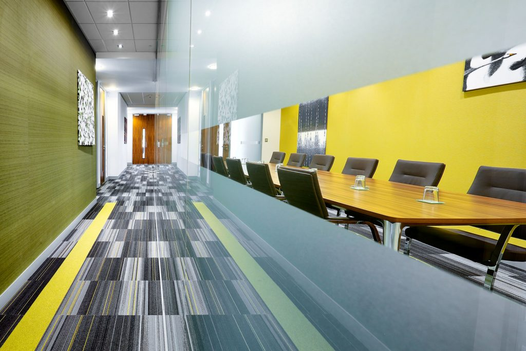 Swindon serviced office - Kingston house boardroom
