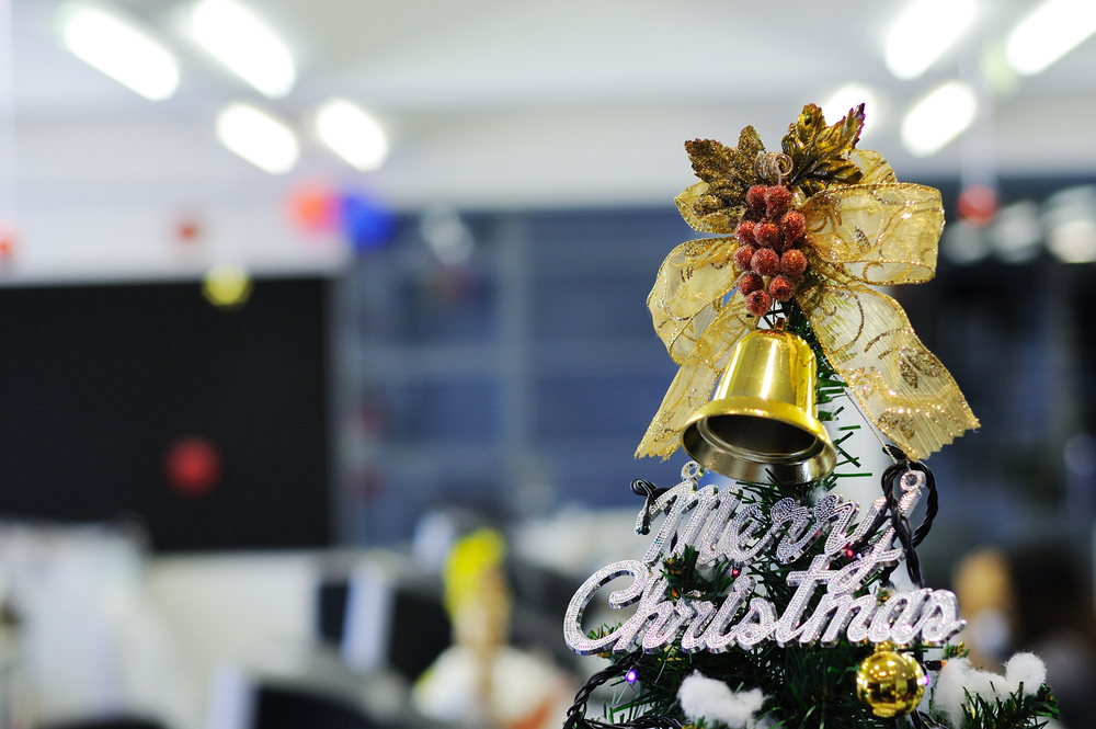 Christmas decorating tips for your office